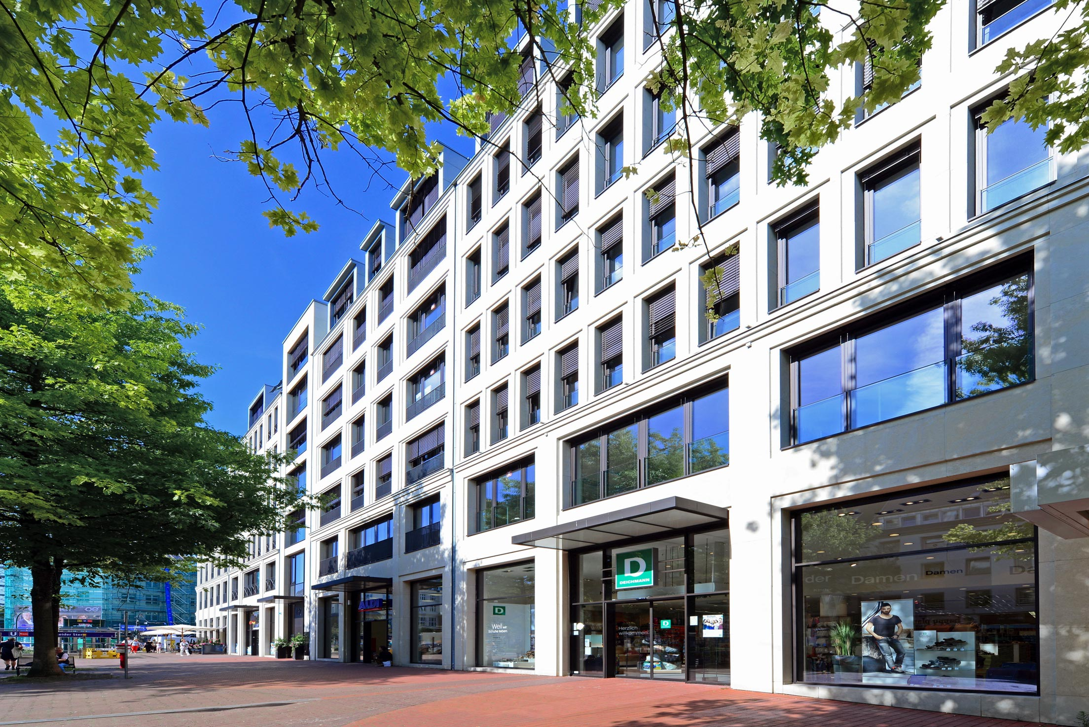 Neubau Wohn- und Geschäftshaus RÜ 62